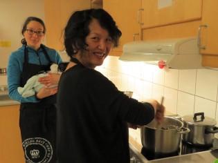 mama er opptatt med sopp karri :-)
